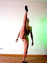 16 pictures - Extreme Nude Gymnastics