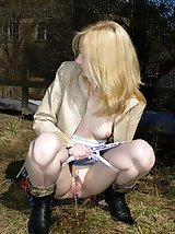 16 pictures - Spying on peeing and sunbathing teen